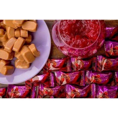 Конфеты Тоффи De Luxe со вкусом шоколада и клубники