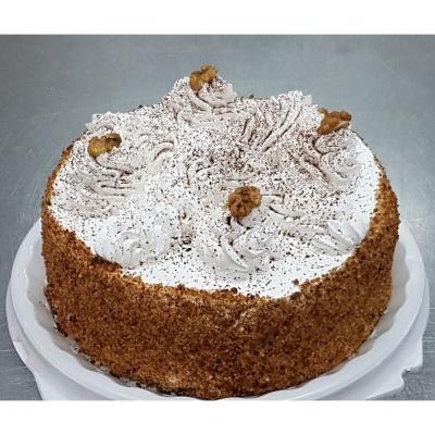 Торт Чайная Роза Королевский медовый со сметаной и орехом