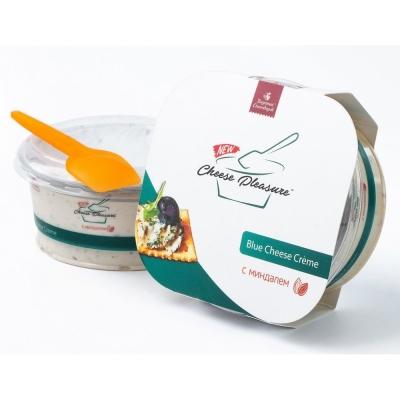 Десертный крем-сыр 'Cheese Pleasure' с голубой плесенью и миндалем, 55%