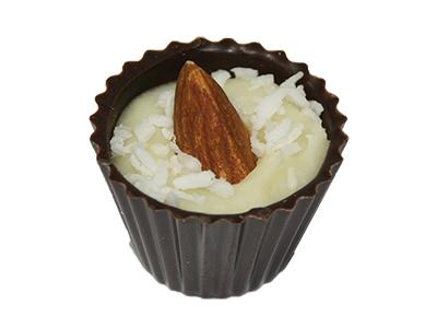Шоколадные конфеты кокос с миндалем в темном шоколаде