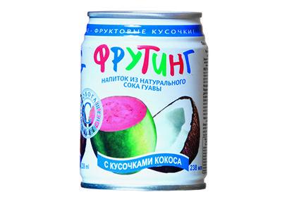 Напиток 'Fruiting' из сока гуавы с кусочками кокоса