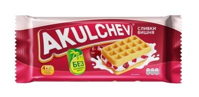 Вафли Акульчев Венские со взбитыми сливками и вишней