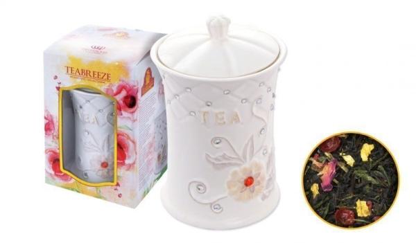 Чай в керамической чайнице