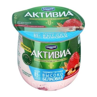 Биойогурт Активиа термостатный со вкусом клубники и злаков 2,7%