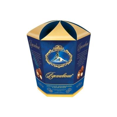 Конфеты в коробке Вдохновение шоколадно-ореховый крем цельный фундук